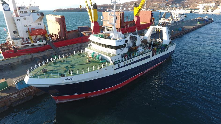 Наши суда - Рыбодобывающая компания Поларис (добыча переработка рыбопродукции и краба на Камчатке)